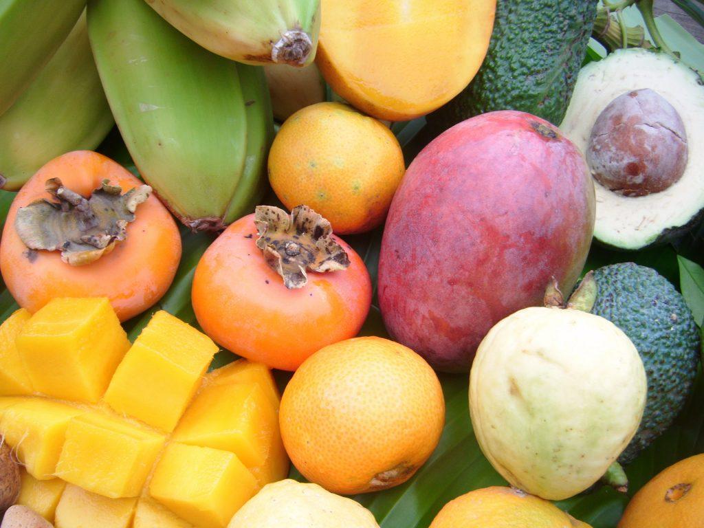 encore des fruits tropicaux ! Mangues, avocats, goyaves, kakis...tout sur la Costa Tropical!